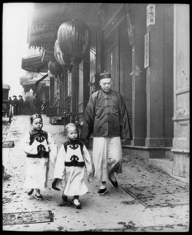 Chinatown, lantern slide by Arnold Genthe, ca. 1896. (LC-USZ62-48190)