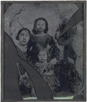 Ambrotype of Libby, Leon, Georgina and Lucy Tillotson, ca. 1862 (The Gilder Lehr