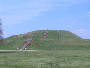 A pre-Columbian earthwork, located at the Cahokia site in Illinois. (Courtesy of Wikipedia Commons)
