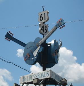 The Crossroads in Clarksdale, Mississippi. Photograph by Joe Mazzola. (Wikimedia