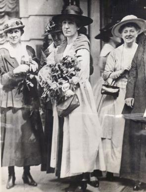 First woman elected to Congress, Republican Jeannette Rankin of Montana arrives in Washington DC, 1917. (Courtesy of Wendy Chmielewski and Jill Norgren)